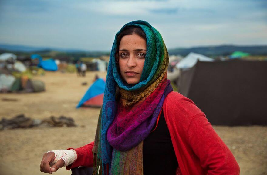 This Photographer Took Pictures Of Women From All Over The World. You'll Be Amazed By Their Beauty And Uniqueness! - Idomeni, Greece