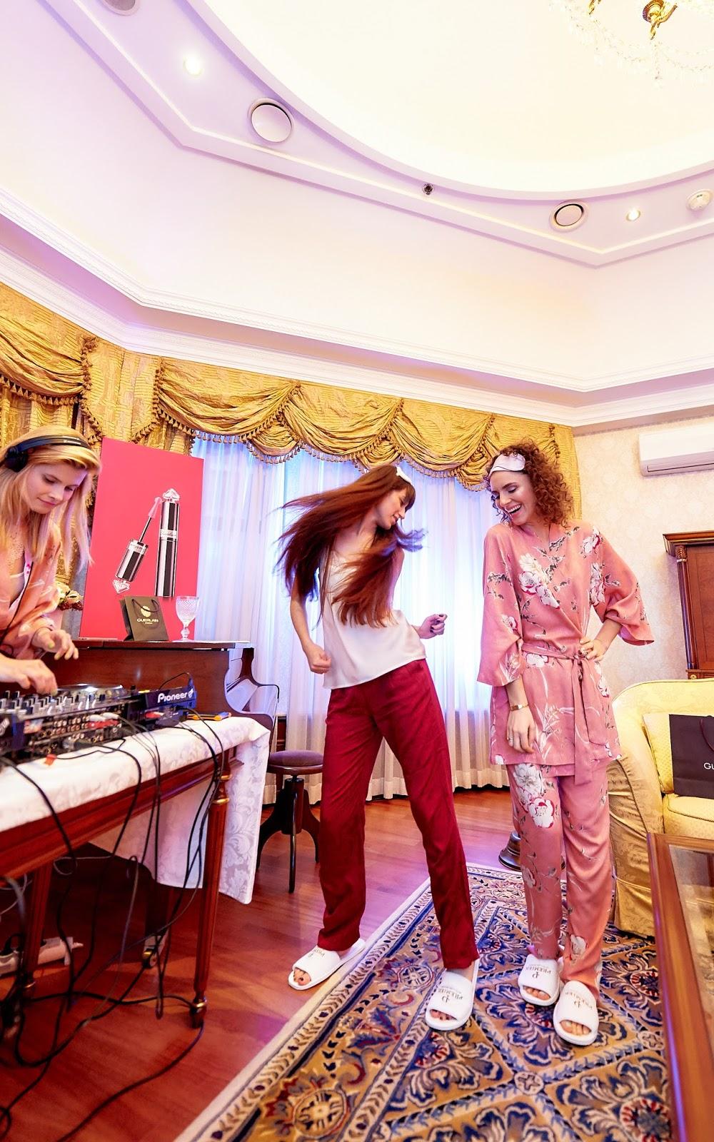 Танцы с Тиной Сизоновой