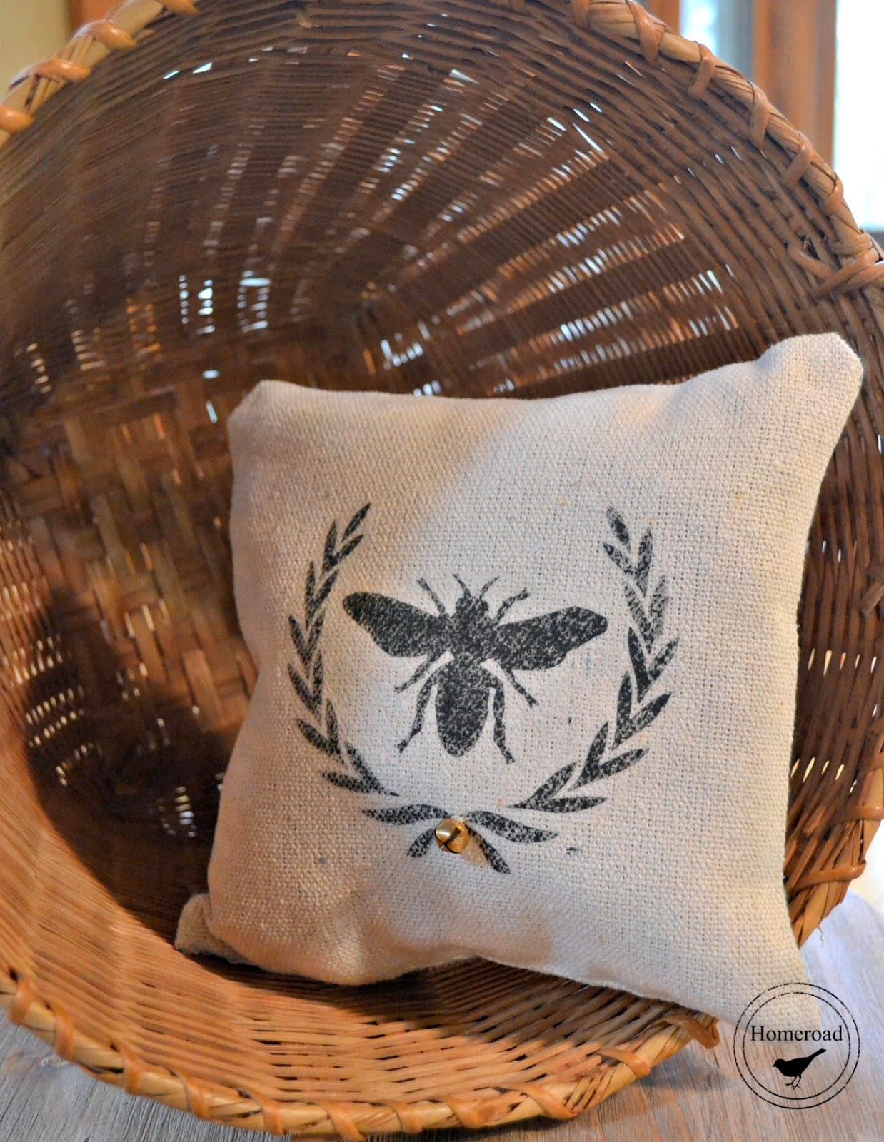 cotton ticking bee and wreath pillows www.homeroad.net