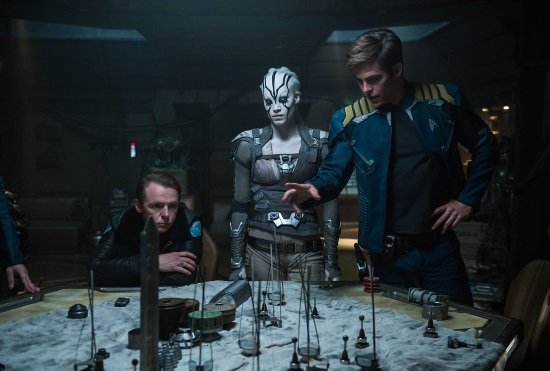 STAR TREK: MÁS ALLÁ (STAR TREK BEYOND)