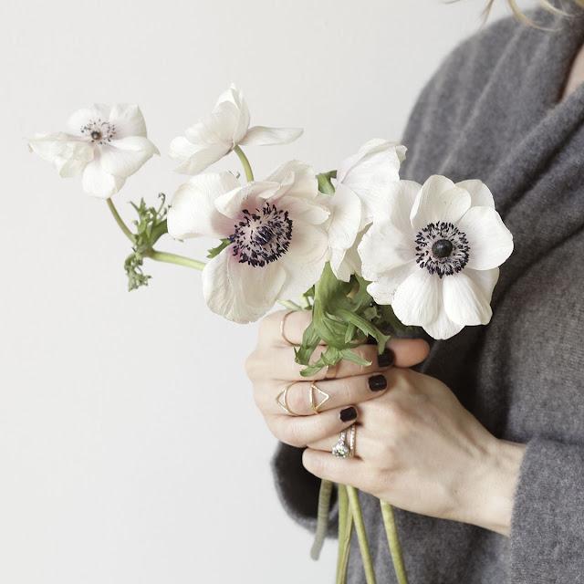 Beautiful white anemones {Cool Chic Style Fashion}