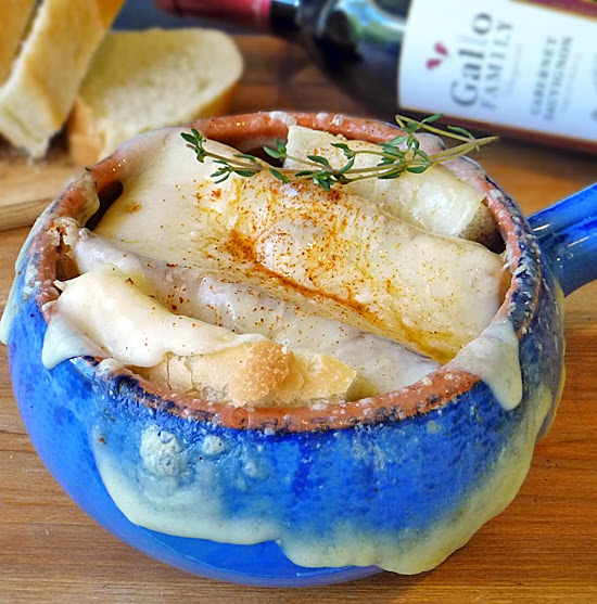 Cheesy French Onion Soup Recipe #SundaySupper