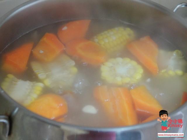 【止咳消燥】雪蓮果椰棗海底椰瘦肉湯