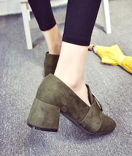 Model loafers chunky high heels untuk sepatu kaki besar wanita