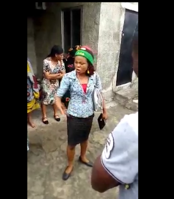 u - Man gets publicly embarrassed, humiliated and beaten for slapping a lady wearing a Biafran cap and forcing her to take it off (Watch video)