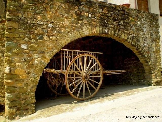 Monells, pueblos del bajo ampurdán, Costa Brava, Gerona
