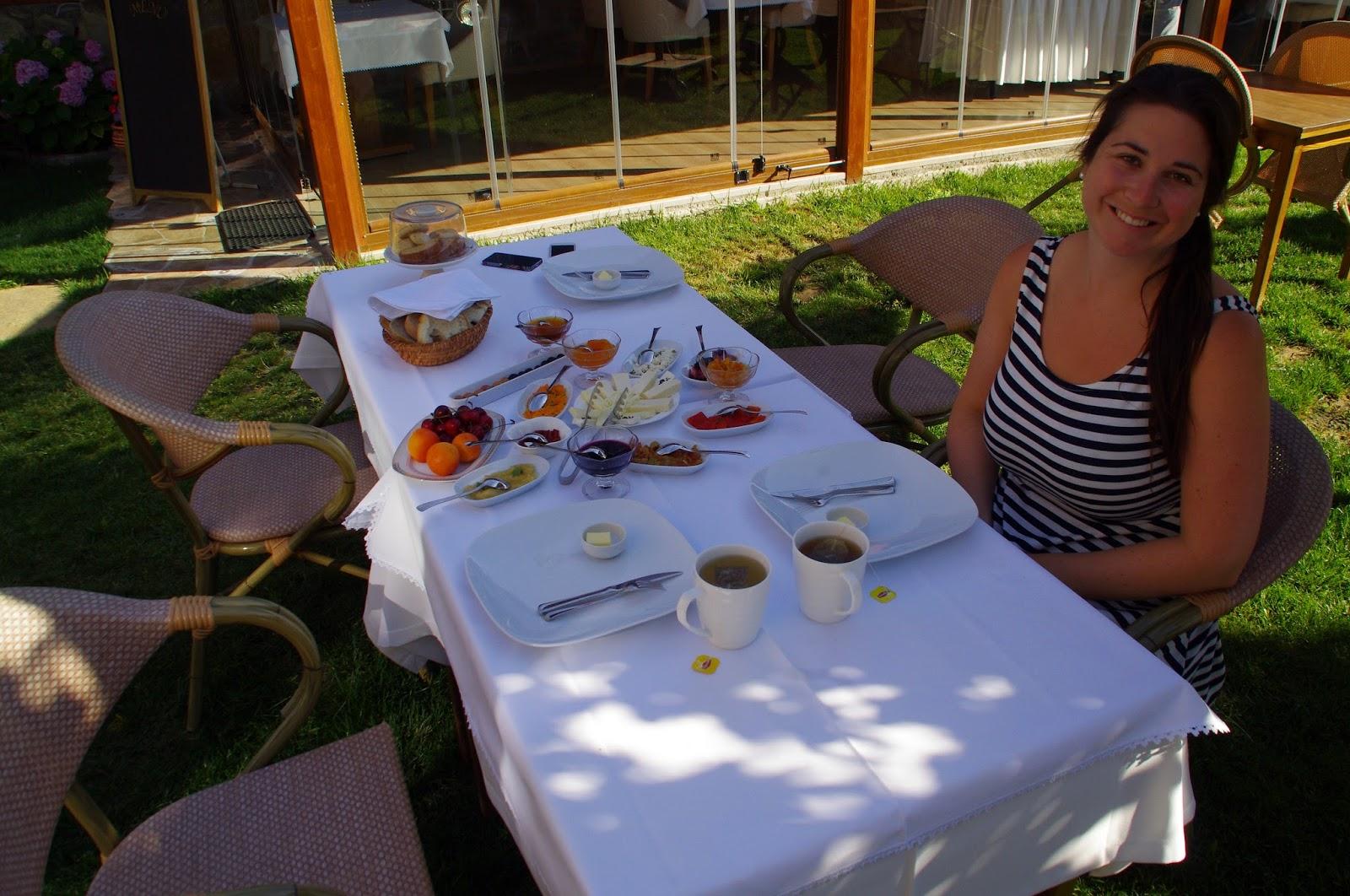 Casa Villa Hotel Eceabat Girl at Breakfast