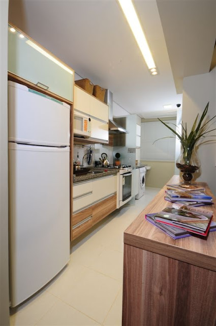 cozinha-branca-e-madeira