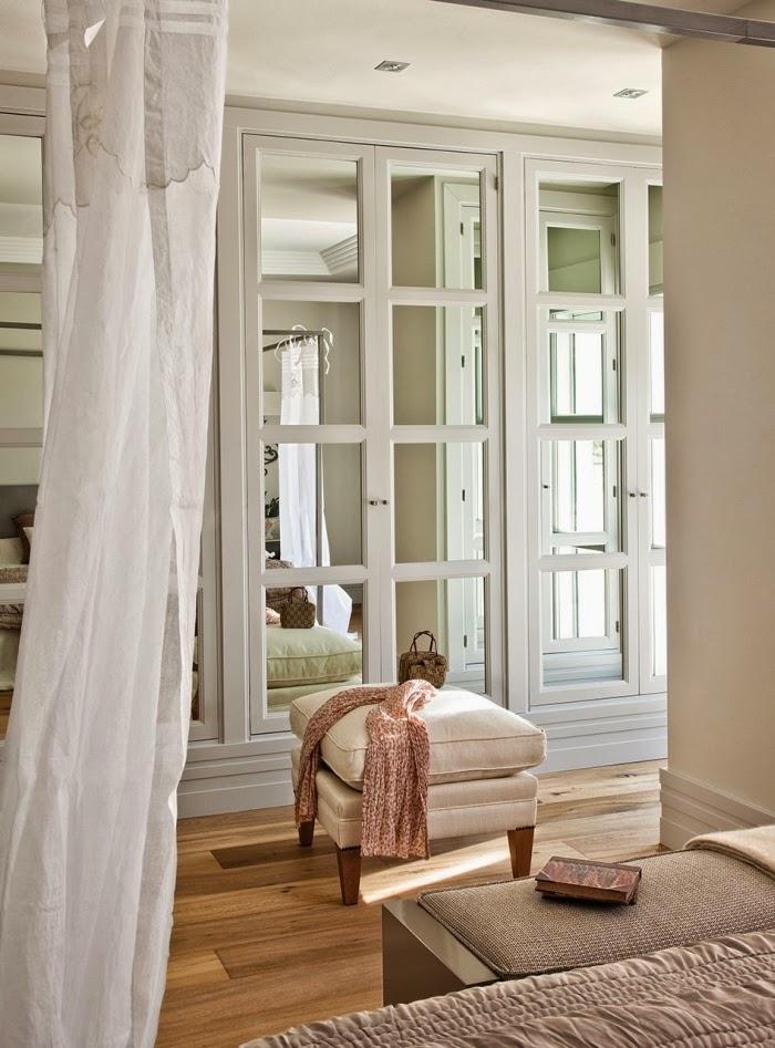 Piękny dom w pobliżu Madrytu, wystrój wnętrz, wnętrza, urządzanie domu, dekoracje wnętrz, aranżacja wnętrz, inspiracje wnętrz,interior design , dom i wnętrze, aranżacja mieszkania, modne wnętrza, styl klasyczny, styl francuski, otwarta przestrzeń, sypialnia