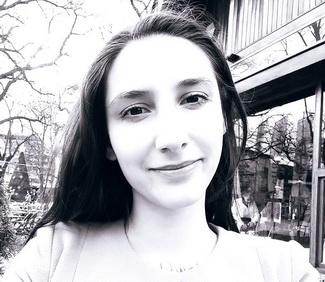 Милица Момчиловић | ЛАКРИМАЦИЈА