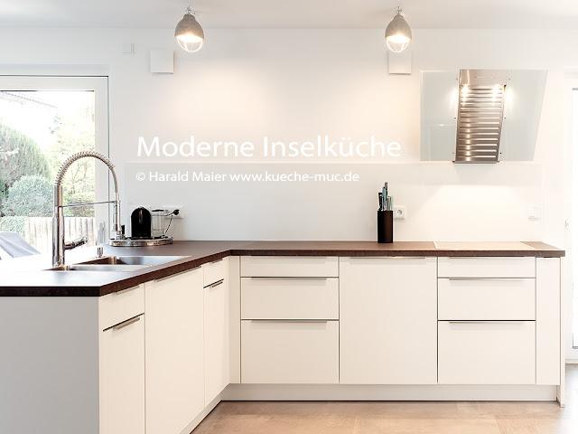 Moderne Inselkueche für ein offenen Grundriss mit viel Stauraum