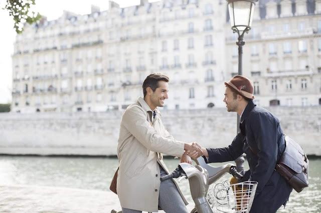 zapocinjanje-novih-prijateljskih-razgovora-na-biciklovima-komsije-ulica