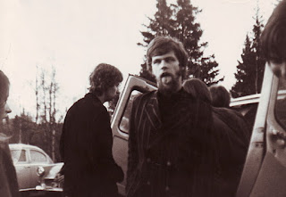 Eero Koivistoinen making faces during a Blues Section tour in 1967. Behind him, on the left, is Hasse. Photo: Hasse Walli's album