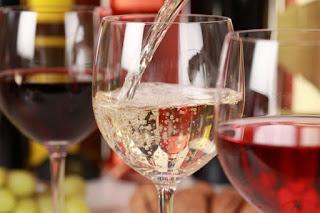 Tasting Italian wines