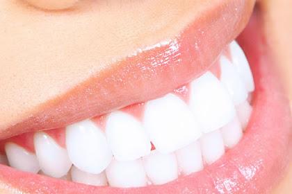 Cara Alami Supaya Gigi Putih Berseri Dengan Stroberi