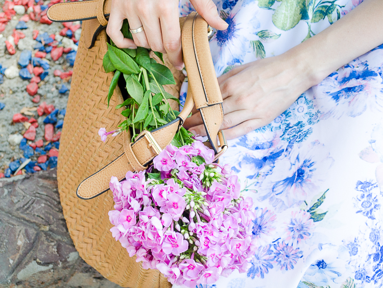 diyorasnotes floral midi skirt asos blue top 57 - LOOK OF THE DAY: FLORAL PRINT MIDI SKIRT