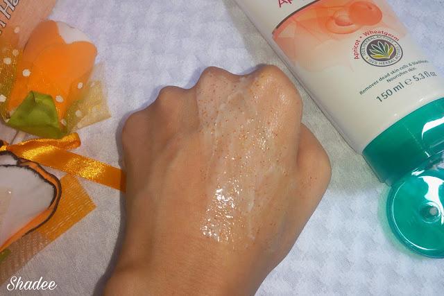 Himalaya Apricot Scrub Review