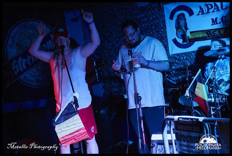 Girly scream : Sandra Conne & Blown scream : le grand Rosso & Drum sticks : Pastis Bertrand @Wallifornian Degeneration, Metal Corporation Fest 2015 - METAL, MCP Apache, Fontaine-L'Évêque, Belgique 29/08/2015