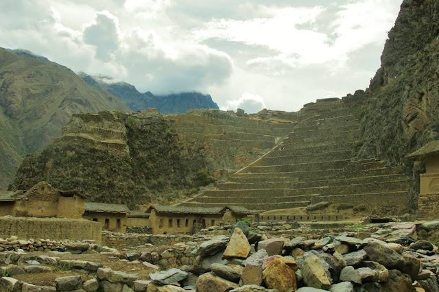 Ollantaytambo, ruínas incas no Vale Sagrado do Peru, no caminho para Machu Picchu.