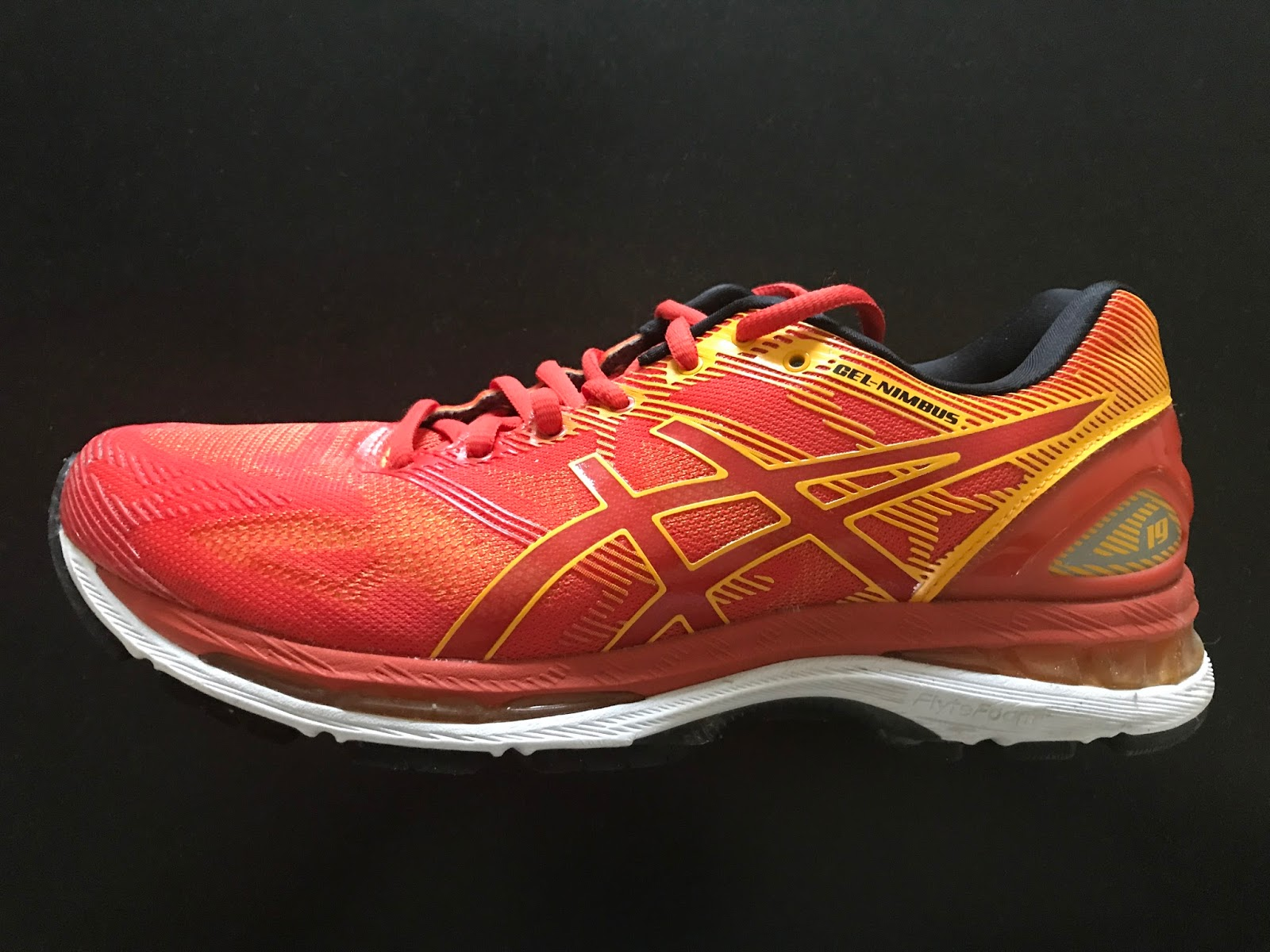 The venerable Gel-Nimbus arrives at 19. My last was the 9 if memory serves.  When ASICS and Running Warehouse offered Road Trail Run a selection of the  ... 289239181d