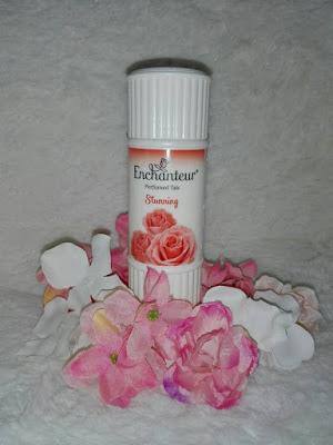 Enchantuer Stunning, Serlahkan Aroma Keanggunan Mempesona