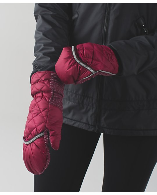 lululemon down-for-a-run-mitten-berry