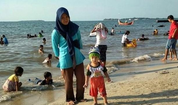 Pantai Teluk Awur Jepara Jawa Tengah