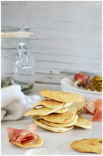 galletitas saladas: prepáralas en casa de forma casera- recetas de galletas saladas- montadito de galleta salada