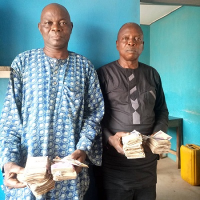 PDP AGENT BUYING VOTES IN OSUN