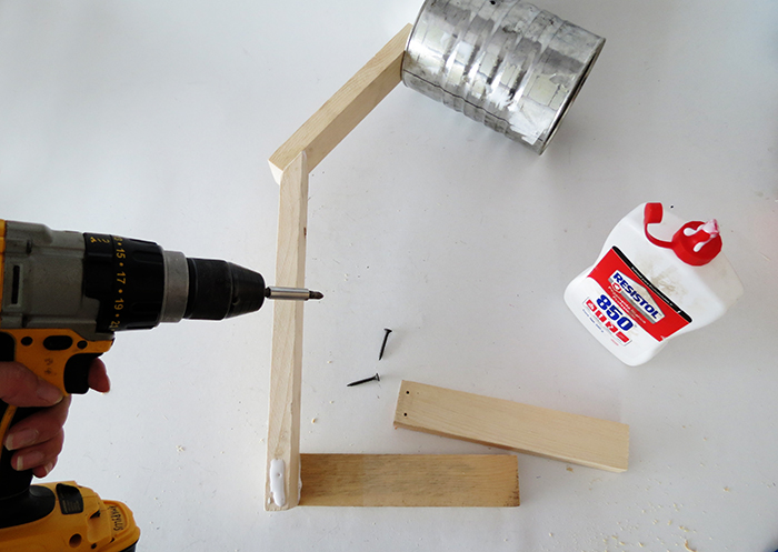 To Make The Base Glue And Two 8 In Wood Pieces Aligned With End Of You Must Place One On Each Side Use S Fix
