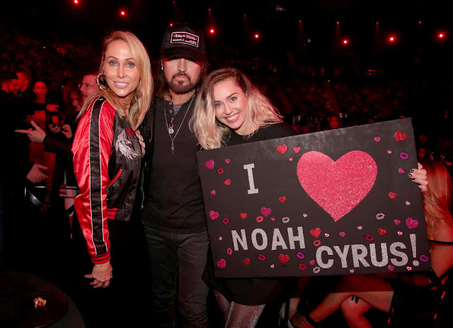 Miley Cyrus – 2017 iHeartRadio Music Awards in Los Angeles