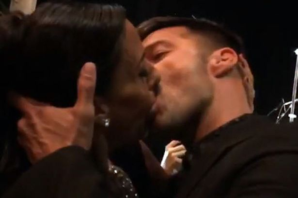 Female Fan Pays Almost £64K To Kiss Ricky Martin Who Is Gay
