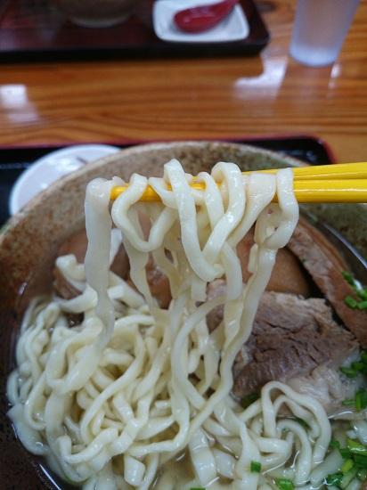 どんとそばの麺の写真