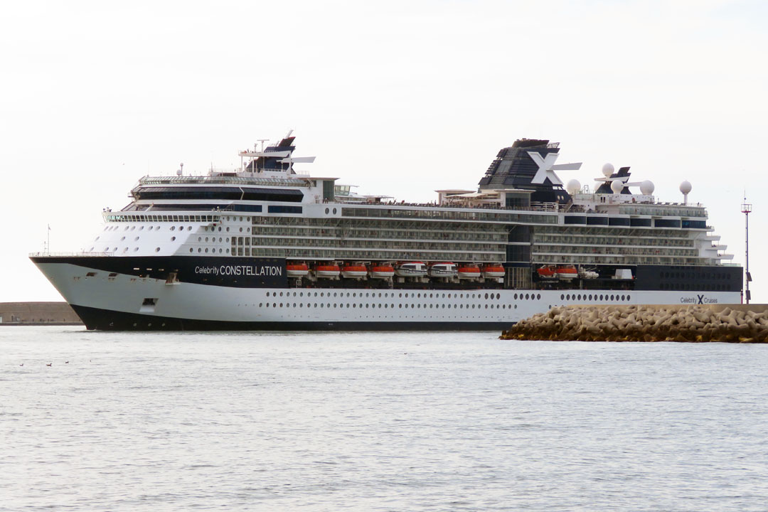 Cruise Ship Celebrity Constellation : Picture, Data ...