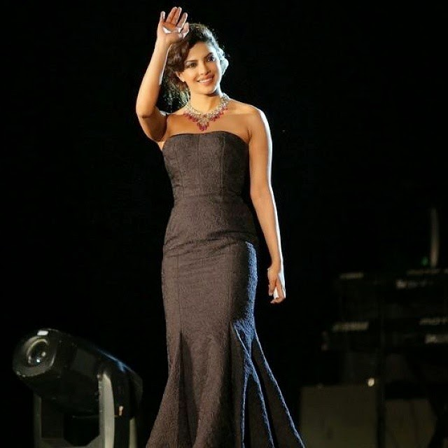 beauty in black *_* 