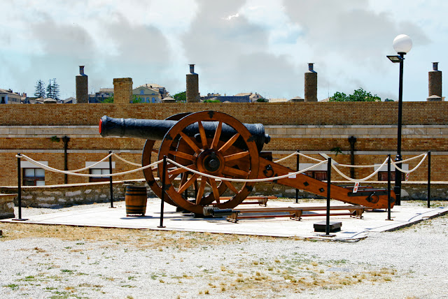 Cannons. Old Fort. Corfu. Пушки. Старая крепость. Керкира.