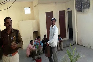 Seorang Pria Penggal Kepala Istri dan Bawa Potongannya ke Kantor Polisi