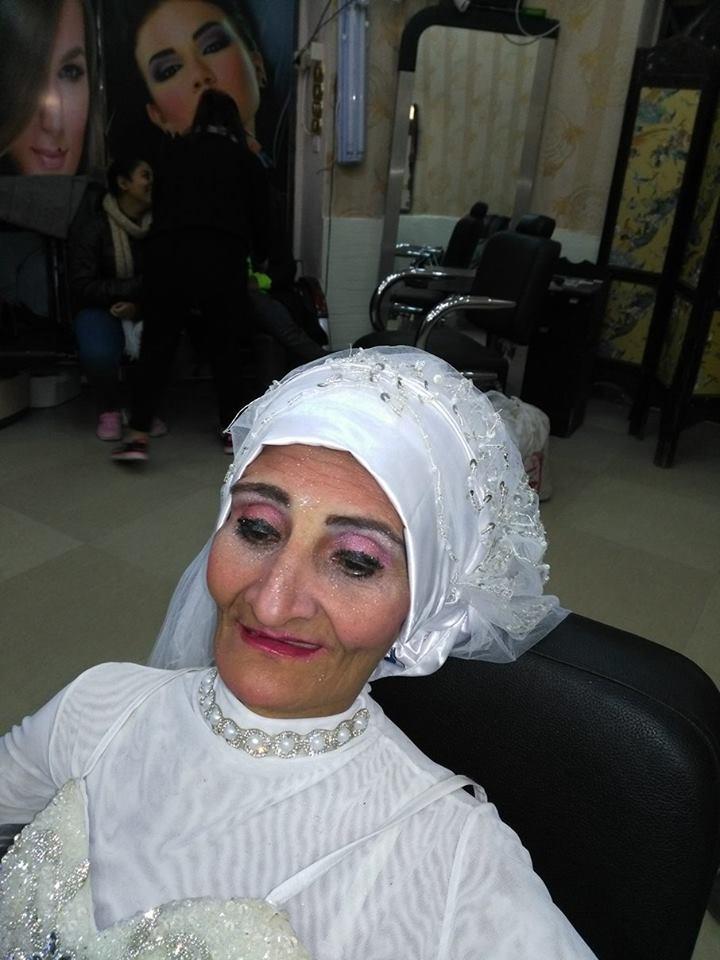 تفاصيل زفاف عروسة الأسكندرية ذات الـ61 عام التي زفت نفسها بدون عريس