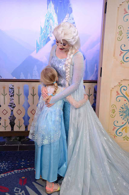 Elsa Character Meet And Great Epcot