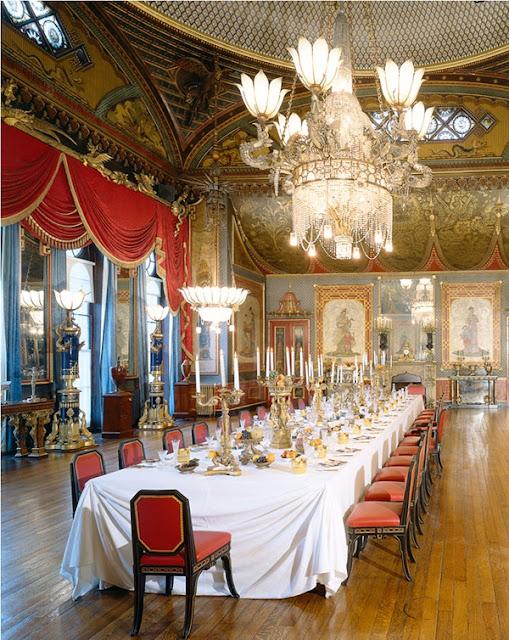 http://www.victoriana.com/Travel/royalpavilion.htm