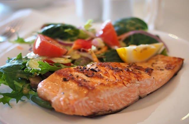 Ikan salmon, tidak hanya lezat tapi juga bikin sehat
