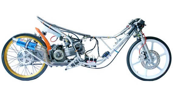 Gambar Kartun Orang Naik Motor Drag Galeriotto