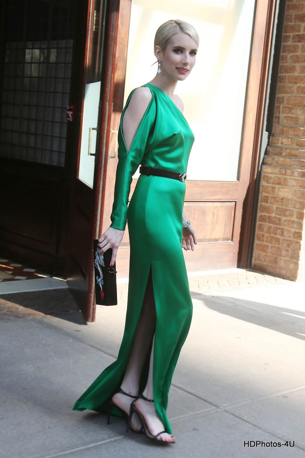 Full HQ Photos of Emma Roberts in Green Dress at MET Gala 2015 in New York
