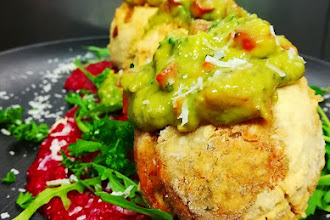 Falafel z avokadovo salso