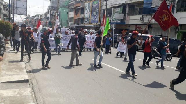 Cipayung Plus Siantar-Simalungun Gelar Aksi 'Menolak DPR Goblok' terkait UU MD3 dan RKUHP
