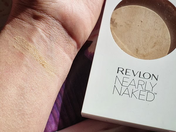 Revlon, Revlon Nearly Naked, 020 Light Pale, puder w kamieniu, puder do poprawek z lusterkiem, prawie nago, makeup, makeup no makeup, maxineczka, alina, katosu, rewolucja, hit czy kit, wizaz