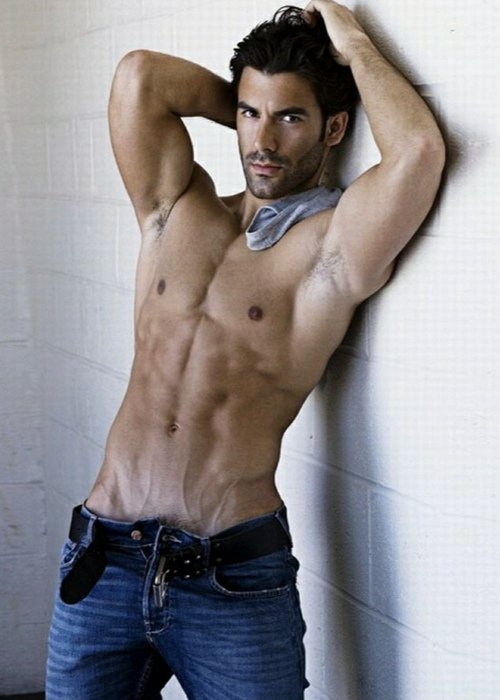 Hunk in Blue Jeans Muscle Hunk in Denims