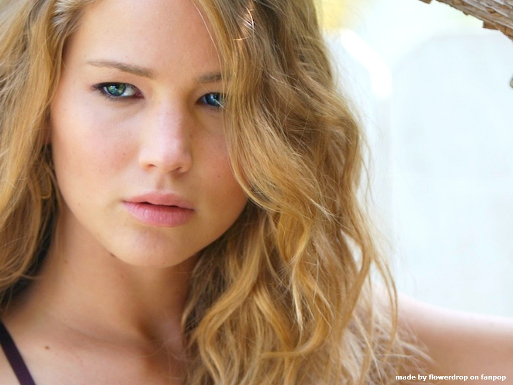 Jennifer Lawrence Biog...