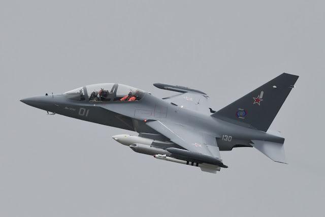 Yak-130 en vuelo de entrenamiento