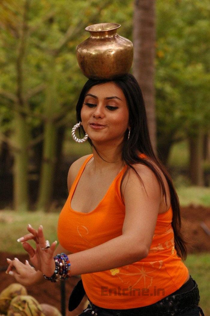 Namitha Najnovejši Hot Spicy Stills - Daily News-5484